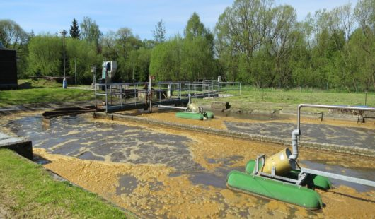 Replacement of old brush surface aerators with OxyStar Aerators on floats